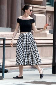 Anne Hathaway in Michael Kors - May 10, 2015
