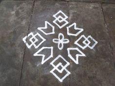 Rangoli designs/Kolam: S.No. 71 :- 11-1 ner pulli kolam