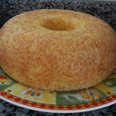 Receita de Bolo de mandioca sem farinha. Enviada por Ana Amélia Lorena e demora apenas 40 minutos.