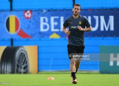 Belgium's forward Eden Hazard takes part in a training session in Le Haillan, southwestern France, on June 9, 2016, ahead of the Euro 2016 football tournament. / AFP / EMMANUEL