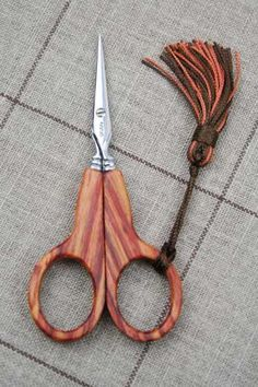 rosewood embroidery small scissors