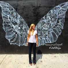 What lifts you?    #whatliftsyou #streetart #nyc @kelseymontagueart #art #wings #fly #beautiful #butterfly #street #city #culture #photography (at L'asso)