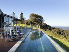 Mount Tambourine homestead, a luxurious getaway nestled in the Gold Coast hinterland. Australian Country magazine, photography John Downs.