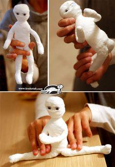 ACTIVITE - Fabriquer une momie articulée avec du fil de fer, de la colle, de la gaze et des yeux mobiles. DIY