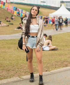 The best looks of Lollapalooza - Usa Hijab Girl Best Share Rave Party Outfit, Rave Outfits, Edgy Outfits, Summer Outfits, Girl Outfits, Fashion Outfits, Looks Rock In Rio, Look Rock, Festival Looks