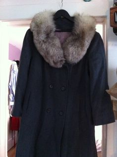 New plus sized vintage wool coat with fur collar. Satin lining, double buttons. Wool Coat, Fur Coat, Vintage Wool, Fur Collars, Suitcase, Satin, Plus Size, Buttons, Jackets