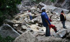 Al menos 32 derrumbes obstaculizan paso hacia Choroní - http://www.notiexpresscolor.com/2017/08/31/al-menos-32-derrumbes-obstaculizan-paso-hacia-choroni/