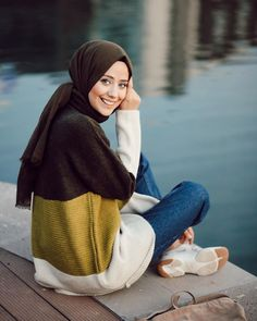 Girl Hijab, Hijab Outfit, Hijab Fashion Inspiration, Style Inspiration, Mode Hijab, Turtle Neck, Fashion Outfits, Instagram, My Style