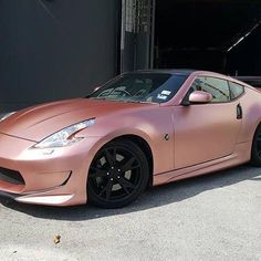 I want this striking audi sports car Matte Autos, Matte Cars, Bugatti, Audi, Porsche, Rolls Royce, Rose Gold Car, Maserati Ghibli, Bmw I8
