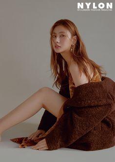 Apink's Hayoung in Nylon Korea December 2018 Kpop Girl Groups, Kpop Girls, Sistar Soyou, Oh Hayoung, Indian Princess, Celebrity Updates, Female Stars, Celebs, Celebrities