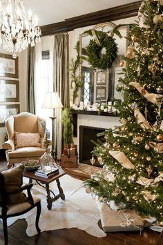 Beautiful living room for Christmas. Classy Christmas tree too! #classicchristmastree #christmaslivingroom #christmas