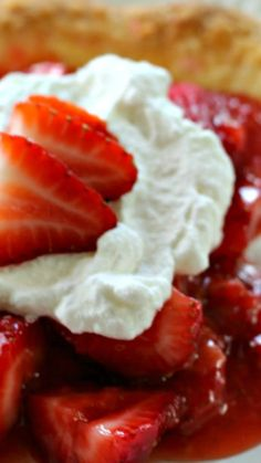 Fresh Strawberry Pie ~ The ingredients are super easy, and there's no jello in it... Five simple ingredients is all it takes to make this pie. Seriously!