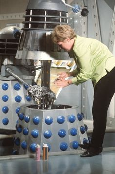 Goo is applied to a Dalek First Dr Who, Power Of The Daleks, Doctor Who Wallpaper, William Hartnell, Second Doctor, Doctor Who Fan Art, 23 November, Classic Monsters, Tardis