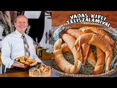 Vajas kifli PICK Téliszalámival 🥐😋 - YouTube Sausage, Favorite Recipes, Minden, Tej, Food, Kitchen, Street, Youtube, Cooking