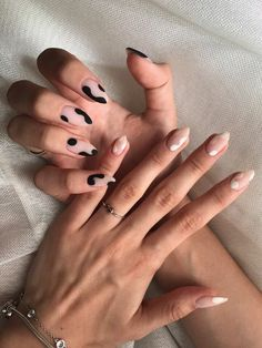 Leopard Nail Designs, Leopard Nails, Black Nails With Designs, Gel Nail Art Designs, Simple Nail Designs, Minimalist Nails, Minimalist Fashion, Nail Swag, Funky Nails