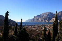 Lasst das trübe Herbstwetter hinter euch und taucht in den Sonnenschein des Gardasees ein! http://bit.ly/2egBesN