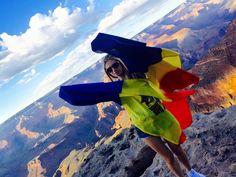 Irina Gotisan cu steagurile Romaniei la Grand Canyon National Park Grand Canyon National Park, National Parks, Nature, Travel, Naturaleza, Viajes, Destinations, Traveling, Trips