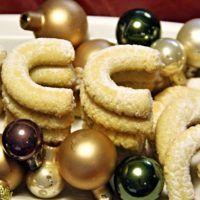 Recept : Vanilkové rohlíčky (bez ořechů) | ReceptyOnLine.cz - kuchařka, recepty a inspirace Doughnut, Cookies, Desserts, Food, Crack Crackers, Tailgate Desserts, Deserts, Biscuits, Essen