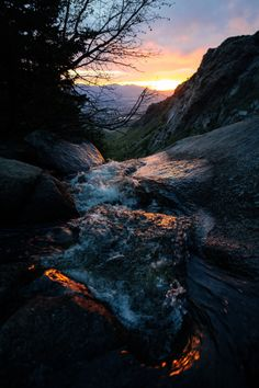 Bells Canyon Wasserfall übersehen – A T – Join the world of pin Beautiful World, Beautiful Places, Beautiful Pictures, Landscape Photography Tips, Nature Photography, Photography Flowers, Nature Wallpaper, Sunrise Wallpaper, 3d Wallpaper