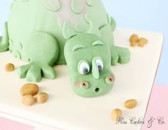 Dino Cake by Ros Cakes & Co.