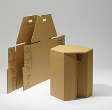 Cardboard furniture is a furniture designed to be made from corrugated fiberboard, heavy paperboard, or fiber tubes. Cardboard Chair, Cardboard Design, Cardboard Sculpture, Cardboard Furniture, Cardboard Crafts, Cardboard Playhouse, Paper Design, Eco Furniture, Diy Outdoor Furniture
