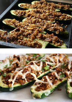 Calabacín rellenó de carne molida.  Stuffed Zucchini Boats