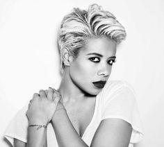 Singer Kelis with short blonde hair #kelis #hair