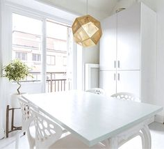 Via Scandi Decoration | White | Dinnertable | Tom Dixon Etch