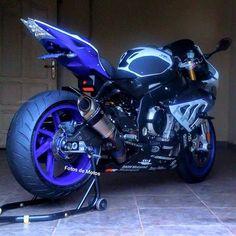 motorscooters with sidecars Motos Bmw, Cool Motorcycles, Moto Ninja, Custom Sport Bikes, Bmw S1000rr, Moto Bike, Sportbikes, Street Bikes, Bike Life