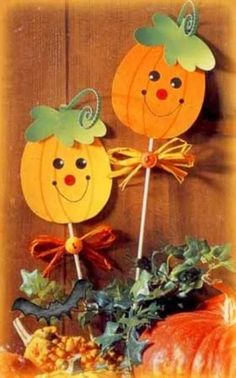 Hurkapálcás tökdísz by jewell Fall Crafts For Toddlers, Halloween Crafts For Kids, Halloween Art, Toddler Crafts, Preschool Crafts, Halloween Decorations, Autumn Crafts, Thanksgiving Crafts, Holiday Crafts