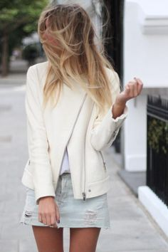 bought a white leather jacket the other just like this! cant wait for the weather to get colder! Camille Over The Rainbow, Bridesmaid Inspiration, Weekend Style, Elegant Outfit, Fashion Pictures, Love Fashion, Women's Fashion, Everyday Fashion, Chic
