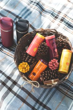 Fall is all about pumpkins, plaid and pinecones. It's also a great time to organize a picnic, and spend some time catching up with friends and family. Warm ginger soup, homemade muffins and an endless supply of tea are in our basket. Tea And Crumpets, Davids Tea, Homemade Muffins, Happy Foods, My Tea, Autumn, Fall, Drinking Tea, Pumpkins
