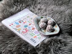 Frankie Mag! Life Pictures, Oatmeal, Breakfast, Food, Women's, The Oatmeal, Morning Coffee, Rolled Oats, Essen