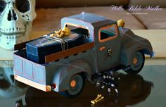Vintage Truck Halloween Edt. #svgcuts #dcwv #americancrafts #silhouettecameo #timholtz Hamster Homes, Truck Boxes, 3d Paper Crafts, American Crafts, Svg Files For Cricut, Small Houses, Keepsake Boxes, Svg Cuts, Transportation