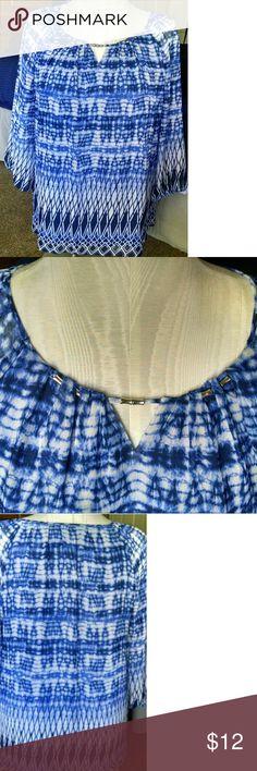 JM Collection top 3/4 sleeve blue print w/neck detail JM Collection Tops