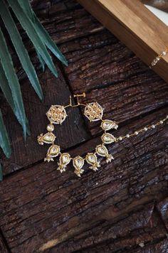 Fancy Jewellery, Bead Jewellery, Jewellery Designs, Jewelry Necklaces, Rajput Jewellery, Bridal Jewelry, Gold Jewelry, Nose Jewels, Bridal Dupatta