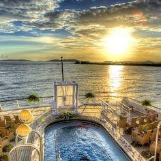Une Preuve d'Amour  sur le Pont d'un Navire de Croisières (ici SeaDream). Heureuse Saint Valentin  à tous les Amoureux !   #Seagnature#Croisière#Croisiere#Mer#Océan#Ocean#SeaDream#SeaDreamYachtClub#SDYC#Navire#Paquebot#Navires#Paquebots#Croisières#Croisieres#Cruise#Cruises#Voyage#Voyages#Luxury#LuxuryCruise#LuxuryCruises#LuxuryTravel#Travel#AllInclusive#Sea#Luxe#StValentin#SaintValentin