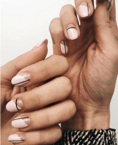 Subtle Nail Art, Neutral Nail Art, Neutral Colors, Neutral Nail Designs, Minimalist Nails, Summer Minimalist, Nail Art Saint-valentin, Line Nail Art, Nail Manicure