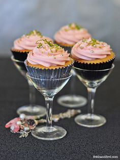 """Sex and the City"" Cosmo cupcakes. Or just cupcakes in cocktail glasses for a fancy look!"