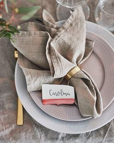 Kitchen Staging, Food Photography Tips, Napkin Folding, Cloth Napkins, Drinking Tea, Craft Gifts, Napkin Rings, Tea Party, Catering