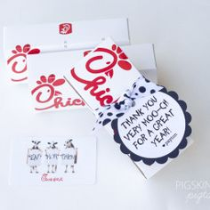 Chick-fil-a Gift Tags chickfila-gift Owl Teacher AppreciationTeacher Appreciation NailGift tags add a special t Craft Gifts, Diy Gifts, Food Gifts, Teacher Treats, Preschool Teacher Gifts, Teacher Birthday Gifts, Teacher Appreciation Week, Employee Appreciation, Candy Gifts