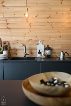 Dining Area, Kitchen Dining, Log Cabin Kitchens, Interior Inspiration, Interior Ideas, Cabin Homes, Scandinavian Style, Modern Decor, Cottage