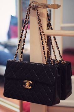 Sooooo in love with this Chanel bag!!!