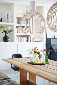 Wooden lamp | Styling Femke Dekker-ter Meulen | Photographer James Stokes | vtwonen August 2015