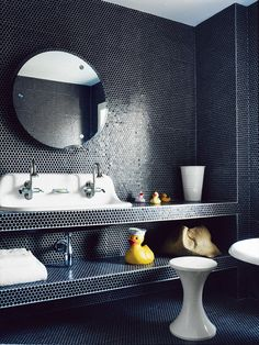 Metallic tiles is all the rage in interior design. We see it more and more in kitchens, bathrooms, and even ceilings and walls. Metallic tiles look Big Bathrooms, Beautiful Bathrooms, Modern Bathroom, Small Bathroom, Penny Tile Bathrooms, Bathroom Tiling, Bathroom Cabinetry, Vanity Bathroom, Contemporary Bathrooms