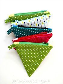 Easy Christmas presents to sew - more than 25 beautiful beginner sewing projects and patterns you can use to make your own Christmas gifts. Start sewing your Christmas presents now!