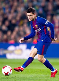 """Philippe Coutinho plays the ball during the Spanish Copa del Rey Quarter Final Second Leg match between FC Barcelona and RCD Espanyol at Camp Nou stadium at Camp Nou on January 25, 2018 in Barcelona,..."