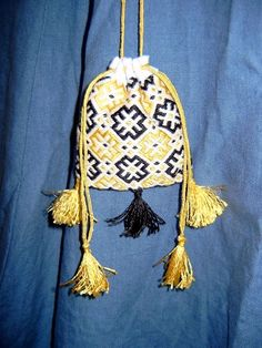 medieval cloth pouches