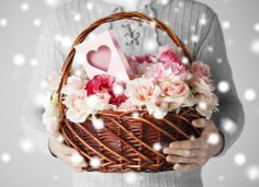 Cute things to put into a gift basket for your boyfriend on Valentine's Day | eHow UK