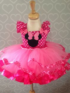 Minnie Mouse tutu dress/minnie mouse by on Etsy Source by pink Minnie Mouse Kostüm, Pink Minnie Mouse Dress, Baby Dress, Pink Dress, Costume Carnaval, Minnie Birthday, Baby Kind, Little Girl Dresses, Kids Outfits